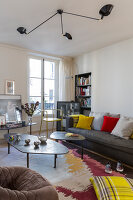 Bildno.: 11403145<br/><b>Feature: 11403127 - Parisian Charm</b><br/>Renovated apartment in Paris is full innovative ideas<br />living4media / Hallot, Olivier