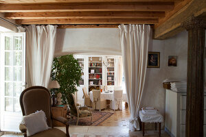 Bildno.: 11403725<br/><b>Feature: 11403713 - Rustic French elegance</b><br/>A romantic country manor not far from Paris<br />living4media / Hallot, Olivier