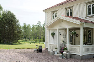 Bildno.: 11403955<br/><b>Feature: 11403887 - Home Coming</b><br/>Family home in K&#228;ngsebo, Sweden<br />living4media / M&#246;ller, Cecilia