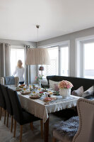 Bildno.: 11404401<br/><b>Feature: 11404388 - Northern Glamour</b><br/>Harmonious home on the Oslo Fjord in Norway<br />living4media / Nordstrom, Annette