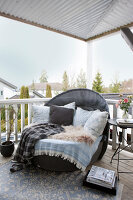 Bildno.: 11404403<br/><b>Feature: 11404388 - Northern Glamour</b><br/>Harmonious home on the Oslo Fjord in Norway<br />living4media / Nordstrom, Annette