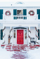 Bildno.: 11407101<br/><b>Feature: 11407099 - A Cultural Mix</b><br/>Swedish home in Nebraska is all decked out for Christmas<br />living4media / Brandt, Jenny