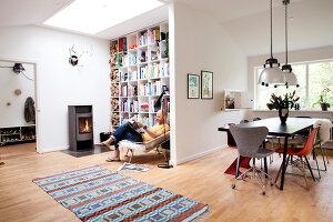 Bildnr.: 11407591<br/><b>Feature: 11407569 - D&#228;nisches-Design</b><br/>Dem Haus sieht man an, dass hier eine skandinavische Familie wohnt, Aarhus<br />living4media / Brandt, Jenny