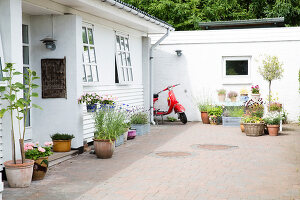 Bildno.: 11409083<br/><b>Feature: 11409049 - The Creative Life</b><br/>An artist&#39;s house in Aarhus, Denmark<br />living4media / Brandt, Jenny