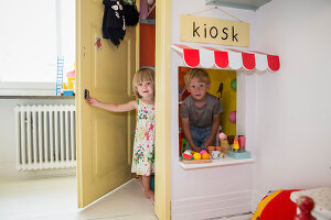 Zdjęcie numer: 11409281<br/><b>Feature: 11409243 - The Playful Home</b><br/>A young family creates one big playpen in Sweden<br />living4media / Brandt, Jenny
