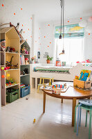 Bildno.: 11409291<br/><b>Feature: 11409243 - The Playful Home</b><br/>A young family creates one big playpen in Sweden<br />living4media / Brandt, Jenny