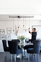 Bildno.: 11409697<br/><b>Feature: 11409690 - Online Renovation</b><br/>Finding inspiration for ideas online for a house in Link&#246;ping, Sweden<br />living4media / M&#246;ller, Cecilia