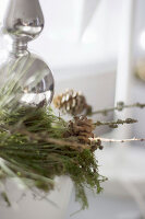 Bildno.: 11410217<br/><b>Feature: 11410216 - Drifting Toward Christmas</b><br/>DIY driftwood tree offers an exciting alternative to the traditional fir tree<br />living4media / Algermissen, Astrid
