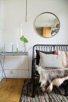 Bildno.: 11415749<br/><b>Feature: 11415717 - Swedish by Design</b><br/>Swedish home full of life and light<br />living4media / Miguel Varanda