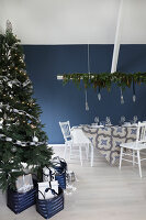 Bildno.: 11415923<br/><b>Feature: 11415922 - An Indigo Christmas</b><br/>Many ideas for making it a blue holiday season this year<br />living4media / Nordstrom, Annette