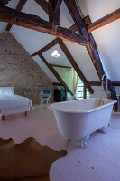 Bildno.: 11419697<br/><b>Feature: 11419669 - Picturesque Abode</b><br/>A stone cottage turned hotel in a medieval village close to Paris<br />living4media / Madamour, Christophe
