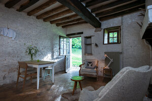 Bildno.: 11419789<br/><b>Feature: 11419669 - Picturesque Abode</b><br/>A stone cottage turned hotel in a medieval village close to Paris<br />living4media / Madamour, Christophe