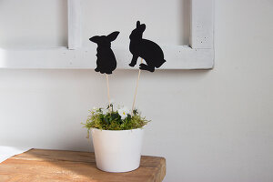 Bildno.: 11420193<br/><b>Feature: 11420156 - Rabbit Runner</b><br/>DIY project shows how to make a runner perfect for the Easter holidays<br />living4media / Algermissen, Astrid