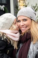 Bildnr.: 11425739<br/><b>Feature: 11425675 - O Tannenbaum</b><br/>Weihnachten in Schweden mit viel frischem Gr&#252;n aus dem Wald<br />living4media / M&#246;ller, Cecilia