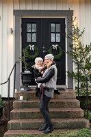 Bildnr.: 11425741<br/><b>Feature: 11425675 - O Tannenbaum</b><br/>Weihnachten in Schweden mit viel frischem Gr&#252;n aus dem Wald<br />living4media / M&#246;ller, Cecilia