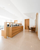 Bildnr.: 11429297<br/><b>Feature: 11429291 - Darf&#39;s noch etwas mehr sein?</b><br/>Luxushaus mit Pool, Bar und Meerblick in Bournemouth, UK<br />living4media / Cox, Stuart