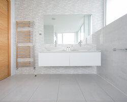 Bildnr.: 11429343<br/><b>Feature: 11429291 - Darf&#39;s noch etwas mehr sein?</b><br/>Luxushaus mit Pool, Bar und Meerblick in Bournemouth, UK<br />living4media / Cox, Stuart