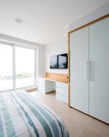 Bildnr.: 11429351<br/><b>Feature: 11429291 - Darf&#39;s noch etwas mehr sein?</b><br/>Luxushaus mit Pool, Bar und Meerblick in Bournemouth, UK<br />living4media / Cox, Stuart
