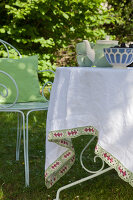 Bildno.: 11432251<br/><b>Feature: 11432236 - Accessories for Granny&#39;s Garden</b><br/>Crotcheting squares and the like for a summer look<br />living4media / Allig, Birgid