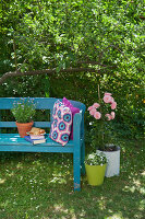 Bildno.: 11432299<br/><b>Feature: 11432236 - Accessories for Granny&#39;s Garden</b><br/>Crotcheting squares and the like for a summer look<br />living4media / Allig, Birgid