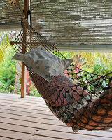 Bildnr.: 11432553<br/><b>Feature: 11432546 - Die Farben der Tropen</b><br/>Designerin Heather Maund bannt Farben und Stimmung der Seychellen auf Stoff<br />living4media / von Oswald, Yvonne