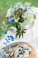 Bildno.: 11434433<br/><b>Feature: 11434431 - Teatime in Blue</b><br/>Make your break special by colour coordinating it<br />living4media / Bildh&#252;bsch