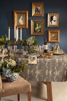 Bildno.: 11440633<br/><b>Feature: 11440613 - The Holiday Table</b><br/>Trendy looks for setting the holiday table<br />living4media / Great Stock!
