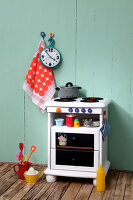 Bildno.: 11444585<br/><b>Feature: 11444573 - Cooking for Kids</b><br/>DIY children&#39;s stove<br />living4media / R&#252;ggeberg, Thordis