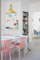 Bildno.: 11445755<br/><b>Feature: 11445712 - Beyond the Pale</b><br/>Pastel furnishings define this house in Arnhem, The Netherlands<br />living4media / Marder, Holly