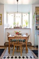 Bildnr.: 11447471<br/><b>Feature: 11447452 - Illustres Zuhause</b><br/>Kinderbuchautorin Linda liebt auch zuhause grafische Elemente, Schweden<br />living4media / M&#246;ller, Cecilia