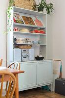 Bildnr.: 11447473<br/><b>Feature: 11447452 - Illustres Zuhause</b><br/>Kinderbuchautorin Linda liebt auch zuhause grafische Elemente, Schweden<br />living4media / M&#246;ller, Cecilia