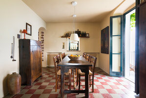 Bildno.: 11452001<br/><b>Feature: 11451948 - Lakeside Living</b><br/>Spectacular home on the western shore of Lake Garda, Italy<br />living4media / studiow&#228;lder