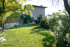 Bildno.: 11452005<br/><b>Feature: 11451948 - Lakeside Living</b><br/>Spectacular home on the western shore of Lake Garda, Italy<br />living4media / studiow&#228;lder