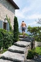 Bildno.: 11452017<br/><b>Feature: 11451948 - Lakeside Living</b><br/>Spectacular home on the western shore of Lake Garda, Italy<br />living4media / studiow&#228;lder