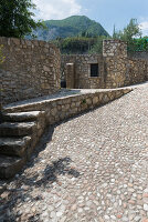 Bildno.: 11452019<br/><b>Feature: 11451948 - Lakeside Living</b><br/>Spectacular home on the western shore of Lake Garda, Italy<br />living4media / studiow&#228;lder