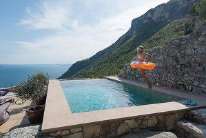 Bildno.: 11452191<br/><b>Feature: 11451948 - Lakeside Living</b><br/>Spectacular home on the western shore of Lake Garda, Italy<br />living4media / studiow&#228;lder