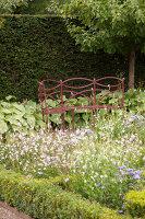 Bildno.: 11457449<br/><b>Feature: 11457439 - Sofiero Castle Garden</b><br/>Castle garden in Helsingborg, Sweden<br />living4media / Pietrek, Sibylle