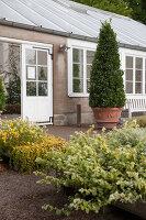 Bildno.: 11457465<br/><b>Feature: 11457439 - Sofiero Castle Garden</b><br/>Castle garden in Helsingborg, Sweden<br />living4media / Pietrek, Sibylle