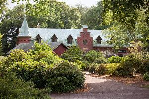Bildno.: 11457479<br/><b>Feature: 11457439 - Sofiero Castle Garden</b><br/>Castle garden in Helsingborg, Sweden<br />living4media / Pietrek, Sibylle