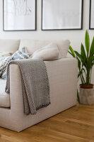Bildno.: 11459511<br/><b>Feature: 11459484 - Decorative Touch</b><br/>Scandinavian style living room in Vienna<br />living4media / Wiener Wohnsinn