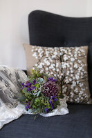 Bildno.: 11459513<br/><b>Feature: 11459484 - Decorative Touch</b><br/>Scandinavian style living room in Vienna<br />living4media / Wiener Wohnsinn