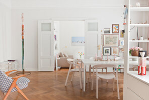 Bildno.: 11500311<br/><b>Feature: 11500301 - Pearls and Cream</b><br/>Soothing colours enhance this Berlin apartment<br />living4media / Scoffoni, Anne-Catherine