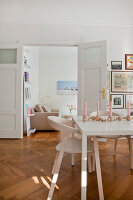 Bildno.: 11500337<br/><b>Feature: 11500301 - Pearls and Cream</b><br/>Soothing colours enhance this Berlin apartment<br />living4media / Scoffoni, Anne-Catherine