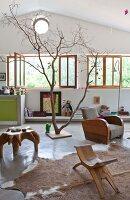 Bildnr.: 11501843<br/><b>Feature: 11501838 - Eine Einladung an die Natur</b><br/>Laetitia hat Zuhause eine Mischung aus Natur- und Design-Objekten, bei Marseille<br />living4media / Scoffoni, Anne-Catherine