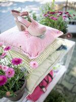 Bildnr.: 11512303<br/><b>Feature: 11512267 - Strandgutsammler</b><br/>Das Zuhause von Tina Firk in Hamburg ist inspiriert von Skandinavischen Str&#228;nden<br />living4media / Wentorf, Eckard
