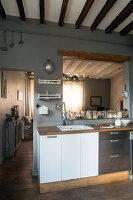 Bildnr.: 11515073<br/><b>Feature: 11515039 - Die alte Scheune</b><br/>Ein 400 Jahre altes Haus und seine Scheune wurden zum Vintage-Wohntraum, FR<br />living4media / Scoffoni, Anne-Catherine