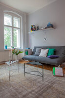 Bildno.: 11948747<br/><b>Feature: 11948740 - Small Budget - Big Effects</b><br/>Young and trendy apartment in Berlin<br />living4media / Scoffoni, Anne-Catherine