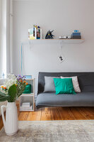 Bildno.: 11948749<br/><b>Feature: 11948740 - Small Budget - Big Effects</b><br/>Young and trendy apartment in Berlin<br />living4media / Scoffoni, Anne-Catherine