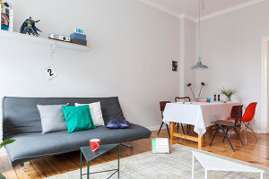 Bildno.: 11948757<br/><b>Feature: 11948740 - Small Budget - Big Effects</b><br/>Young and trendy apartment in Berlin<br />living4media / Scoffoni, Anne-Catherine