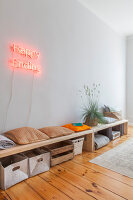 Bildno.: 11948761<br/><b>Feature: 11948740 - Small Budget - Big Effects</b><br/>Young and trendy apartment in Berlin<br />living4media / Scoffoni, Anne-Catherine